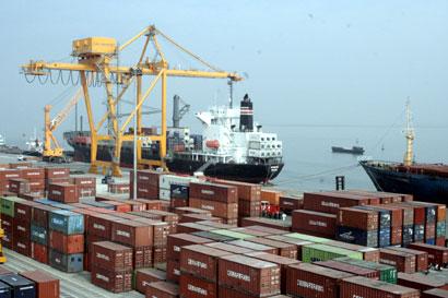 Điều chỉnh cước của các hãng vận tải biển từ ngày 25/04