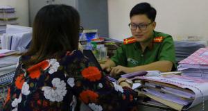 """Cảnh báo về lừa đảo tặng quà mà """"người tình online"""" gửi về Việt Nam"""